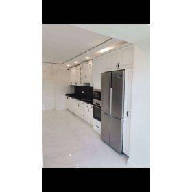 bucatarie moderna - frigider incorporat Acasa la comanda design individual pret accesibil