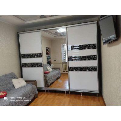 черно-белый шкаф с ольгиндой Главная на заказ по индивидуальному дизайну доступная цена, современная мебель, в кредит, трансф...